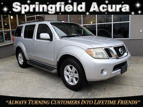 Pre-Owned 2008 Nissan Pathfinder 4WD 4dr V6 SE Off Road